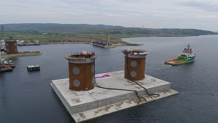 Immersion Of The European Caisson Completed